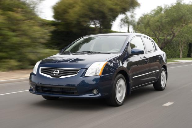 2013 Nissan Sentra: New vs. Old featured image large thumb13