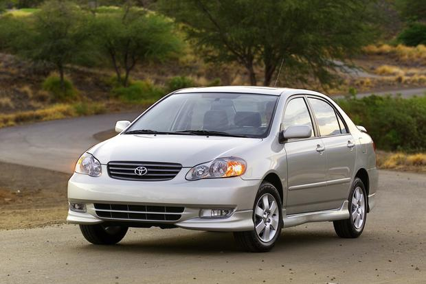 Great Fuel Economy For Less: 5 Affordable Used Cars That are Surprisingly Good on Gas featured image large thumb2