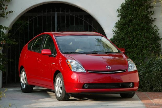 Great Fuel Economy For Less: 5 Affordable Used Cars That are Surprisingly Good on Gas featured image large thumb4