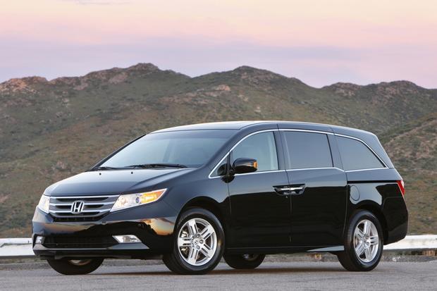 Minivan Deals: December 2012 featured image large thumb1