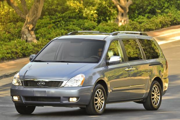 Minivan Deals: December 2012 featured image large thumb3