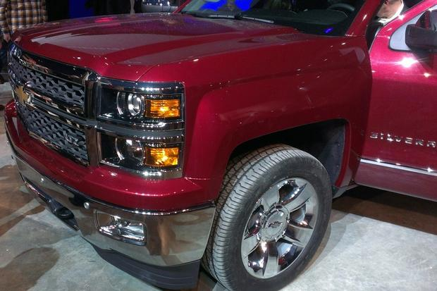 GM Reveals 2014 Chevrolet Silverado and GMC Sierra featured image large thumb9