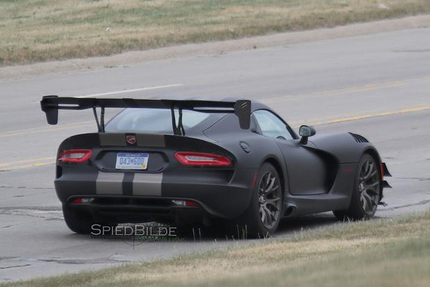 Do These Spy Shots Show an Upcoming Dodge Viper ACR? featured image large thumb1