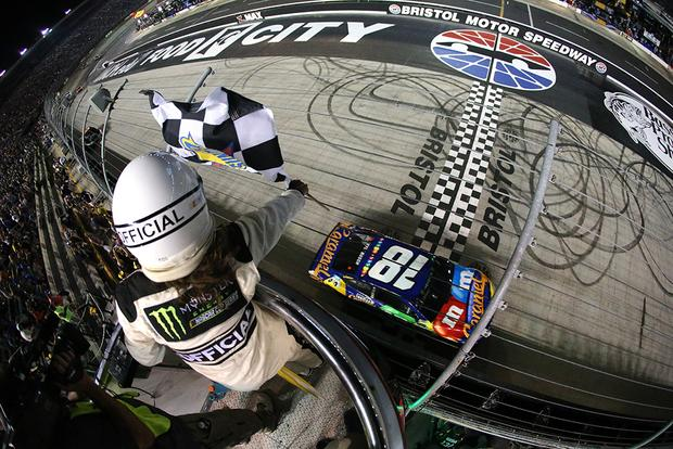 Kyle Busch Sweeps Bristol, NASCAR Fans Collectively Groan -- But Why? featured image large thumb0