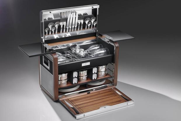 Rolls-Royce Has Released a Limited Edition Picnic Basket featured image large thumb0