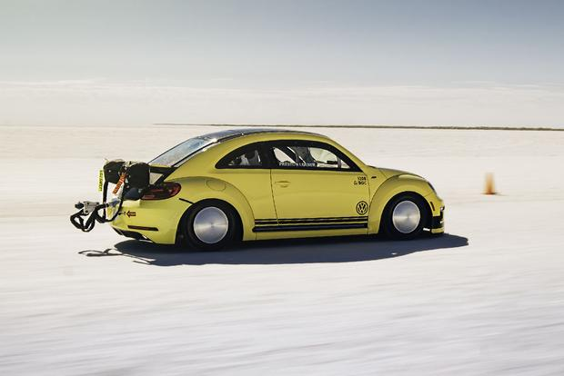 This Is the World's Fastest Volkswagen Beetle, and It Just Hit 205 Miles Per Hour featured image large thumb5