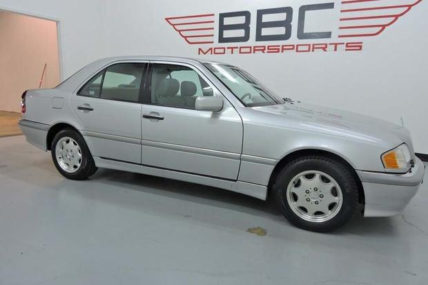 6 Incredibly Low-Mileage Older Cars on Autotrader featured image large thumb2