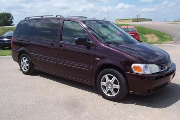 These Are the Lost American Minivans You Probably Don't Remember featured image large thumb1