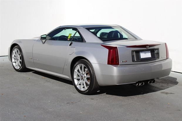 The Cadillac Xlr V A High Performance Cadillac Roadster Autotrader