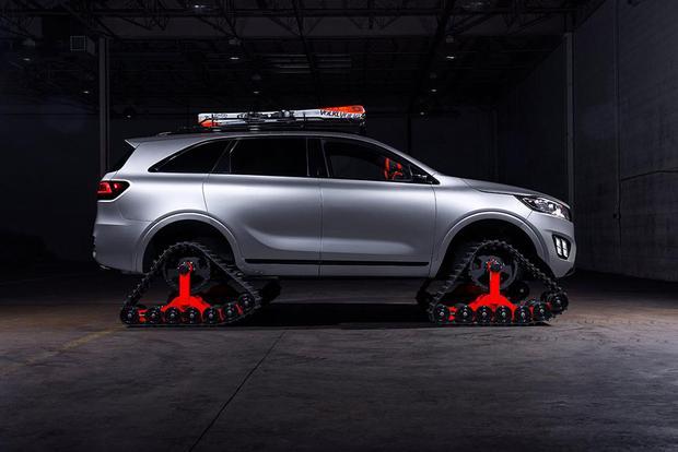 Autonomous Kia Sorento Shows Up With Tank Treads at SEMA Show featured image large thumb0
