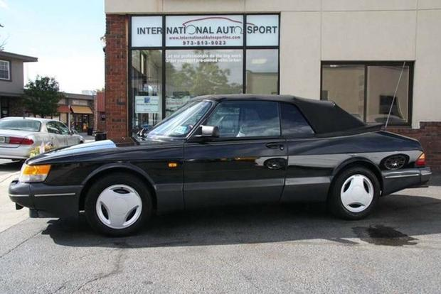 Autotrader Find: Saab 900 Springtime in Sweden Special Edition featured image large thumb0