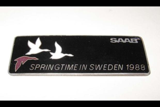 Autotrader Find: Saab 900 Springtime in Sweden Special Edition featured image large thumb1