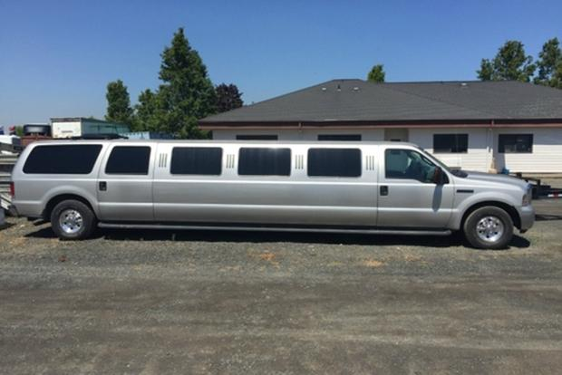 Here Are the 7 Strangest Limos For Sale on Autotrader featured image large thumb3