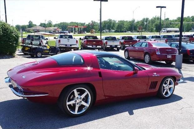 Autotrader Find: 2006 Chevy Corvette With 1960s Styling featured image large thumb1