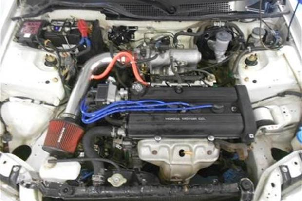Autotrader Find: One-Owner 1995 Honda Civic Hatchback With Acura Integra Engine featured image large thumb1