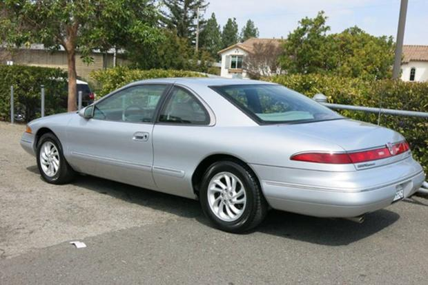 Autotrader Find: One-owner 1996 Lincoln Mark VIII With 25,000 Miles featured image large thumb0