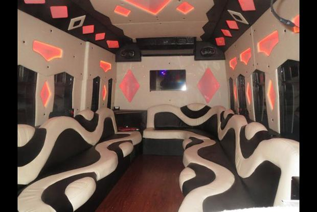Autotrader Find: 14-Passenger Party Bus for $18,000 featured image large thumb0