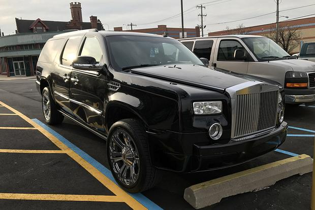 I Saw a Cadillac Escalade Transformed Into a Rolls-Royce Phantom featured image large thumb1