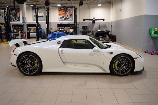 This Never-Driven Porsche 918 Spyder Is on Autotrader for $1.8 Million featured image large thumb0