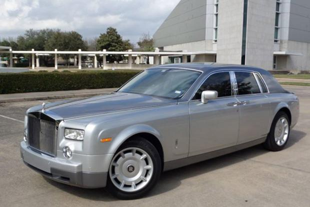 This Is the Cheapest Rolls-Royce Phantom on Autotrader featured image large thumb0