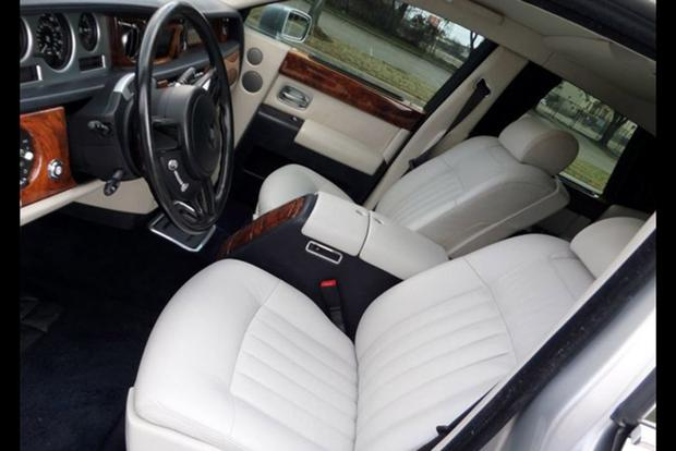 This Is the Cheapest Rolls-Royce Phantom on Autotrader featured image large thumb1
