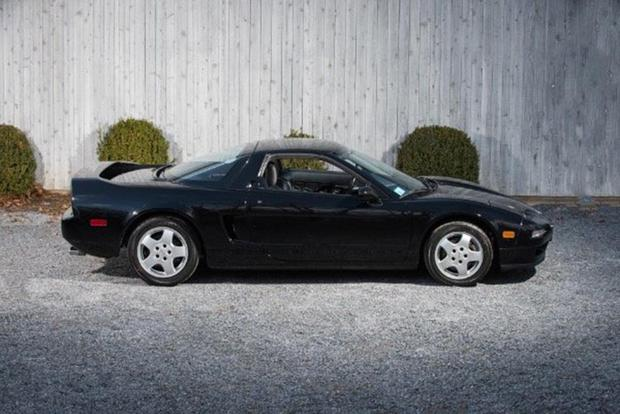 Here Are The Coolest Old Acura Nsxs For On Autotrader Featured Image Large Thumb4
