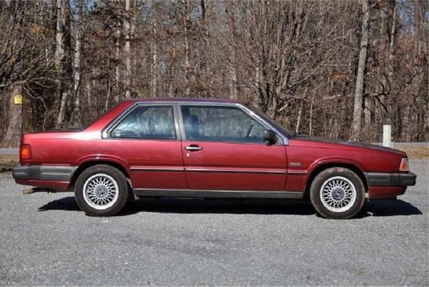 The Volvo 780 Was a Strange Attempt to Make Boxy Beautiful featured image large thumb0