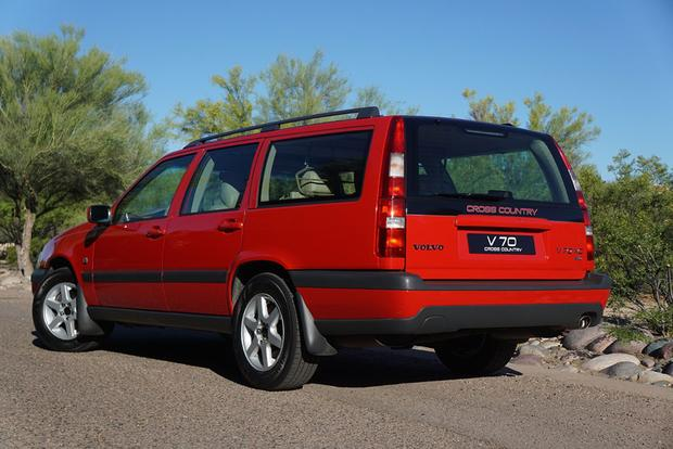 Here's What It's Like to Drive an Original Volvo V70 XC Time Capsule featured image large thumb1