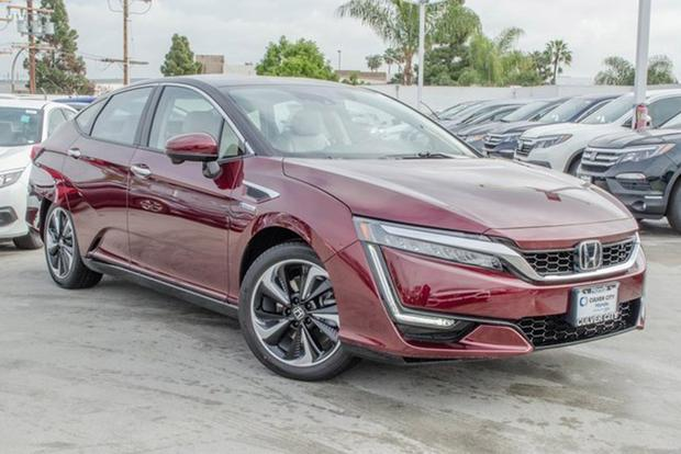 Autotrader Find: Brand-New 2017 Honda Clarity featured image large thumb1