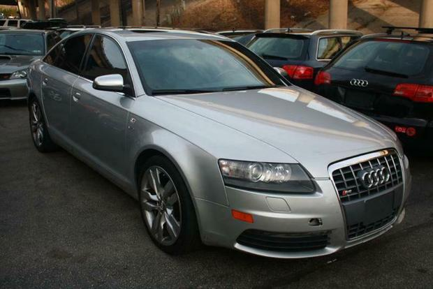 Here Are the Cheapest V10-Powered Cars on Autotrader featured image large thumb2