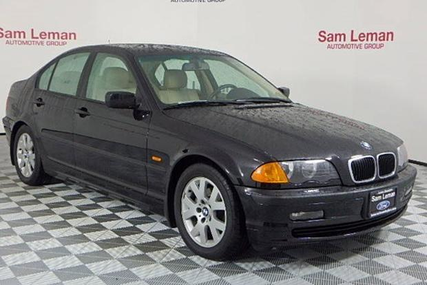 Autotrader Find: 2000 BMW 323i With 10,000 Miles featured image large thumb0