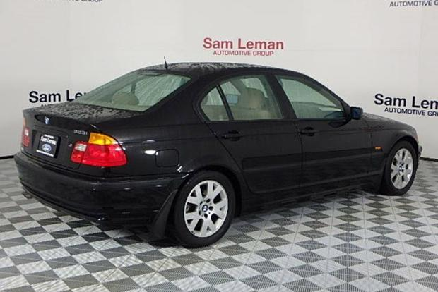 Autotrader Find: 2000 BMW 323i With 10,000 Miles featured image large thumb1