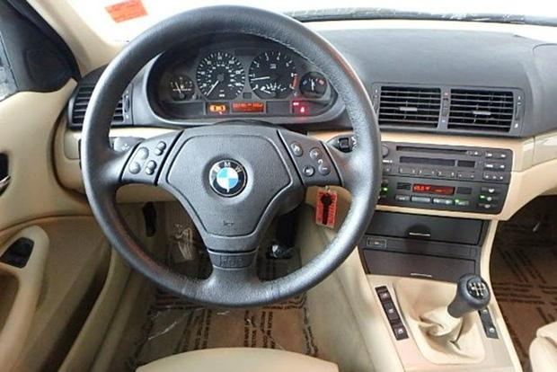 autotrader find 2000 bmw 323i with 10 000 miles autotrader. Black Bedroom Furniture Sets. Home Design Ideas