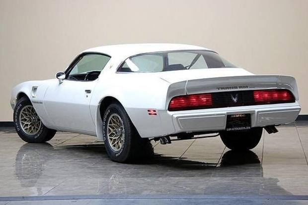 Autotrader Find: 1981 Pontiac Firebird Trans Am With 13,400 Miles featured image large thumb1