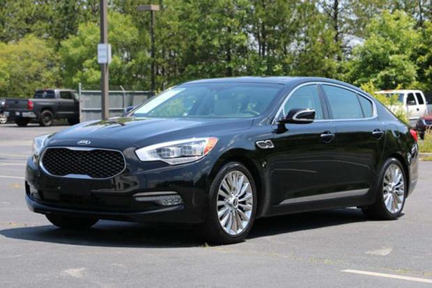 Autotrader Find: A Used Kia K900 Is an Incredible Bargain featured image large thumb0