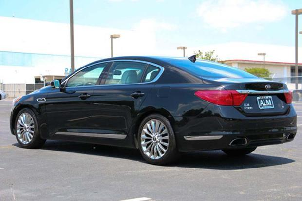 Autotrader Find: A Used Kia K900 Is an Incredible Bargain featured image large thumb1