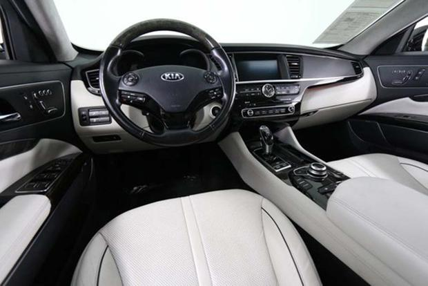 Autotrader Find: A Used Kia K900 Is an Incredible Bargain featured image large thumb2