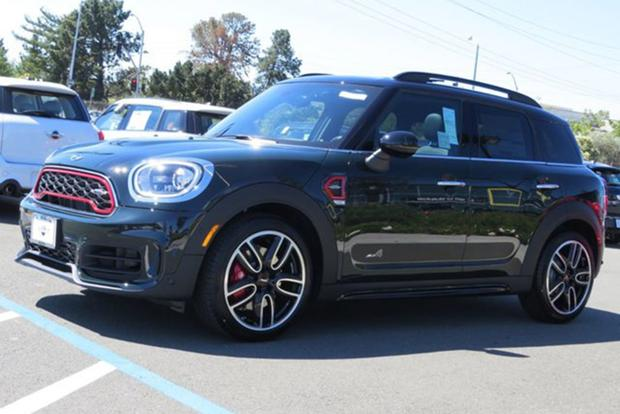 You Can Now Equip a MINI Countryman to Over $50,000 featured image large thumb1