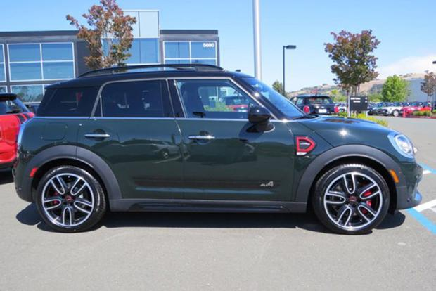 You Can Now Equip a MINI Countryman to Over $50,000 featured image large thumb2