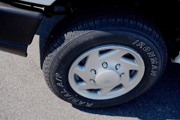 The Ford Econoline Hubcap Has Hilarious Fake Lug Nuts featured image large thumb1