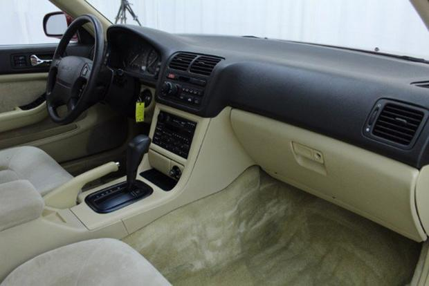 Autotrader Find: Perfectly Pristine 1991 Acura Legend Sedan featured image large thumb2