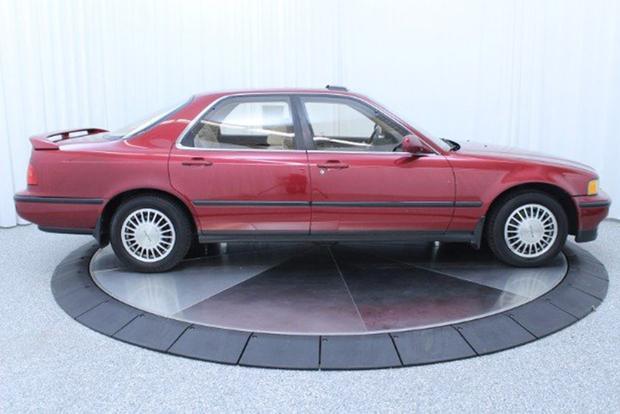Autotrader Find: Perfectly Pristine 1991 Acura Legend Sedan featured image large thumb4