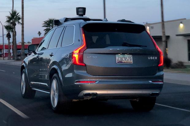 These Self-Driving Uber Volvo SUVs Are All Over Phoenix featured image large thumb0