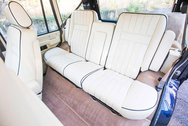 The Congleton Range Rover Classic Shows the Future of the Collectible SUV featured image large thumb3