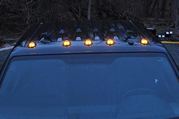 Here's Why Some Trucks Have Those Little Orange Lights on the Roof
