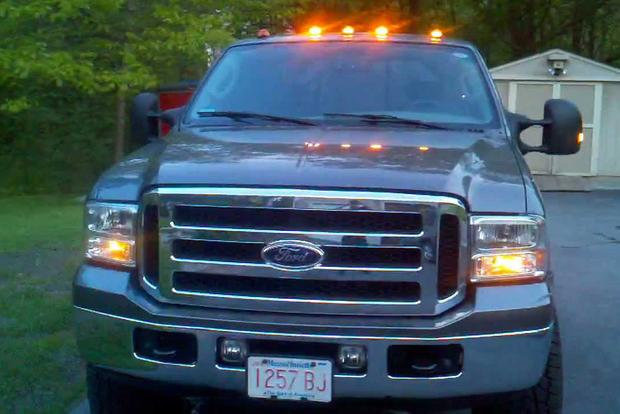 Here's Why Some Trucks Have Those Little Orange Lights on the Roof featured image large thumb2
