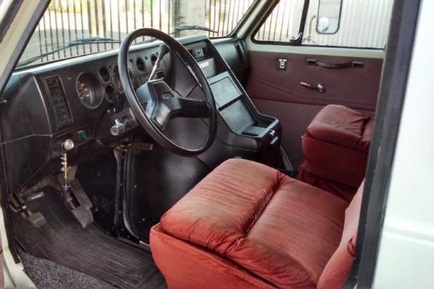 Autotrader Find: 1985 GMC Van-Truck Mashup featured image large thumb4
