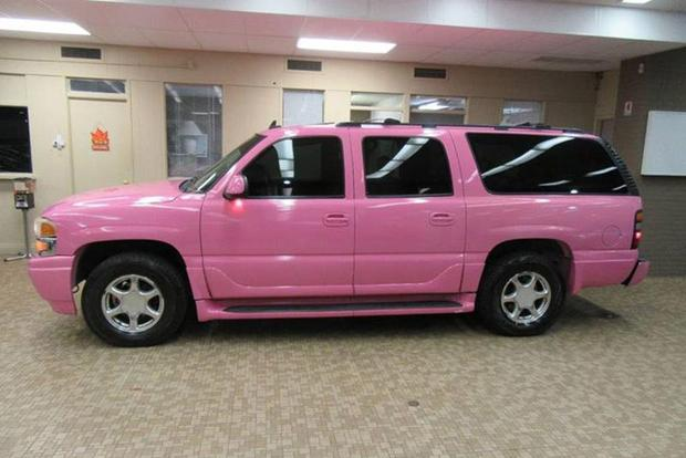 Autotrader Find: Pink 2006 GMC Yukon Denali featured image large thumb2