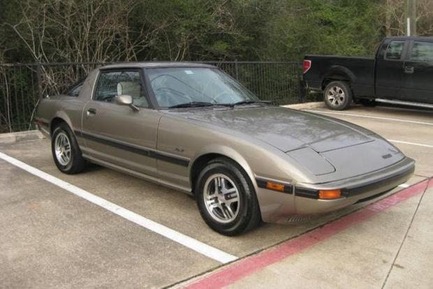 Autotrader Find: 1985 Mazda RX-7 With 395,000 Miles featured image large thumb1