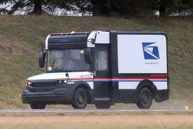 Here's a Spy Shot of the New U.S. Postal Service Van featured image large thumb0